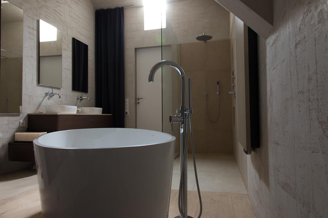 frei stehende Badewanne Penthouse in Mannheim - Heidelberg, Mannheim, Stuttgart - Gaffga Interieur Design. Planung und Ausführung - Lichtplanung - Möbel auf Maß.