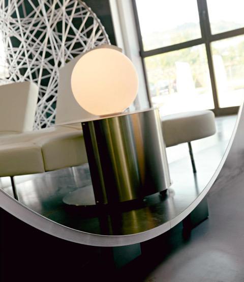 BMB Italy, Glasspezialist, großer runder Spiegel mit Metallrahmen, Inneneinrichtung & Raumgestaltung in Heidelberg und Mannheim, Gaffga Interieur Design